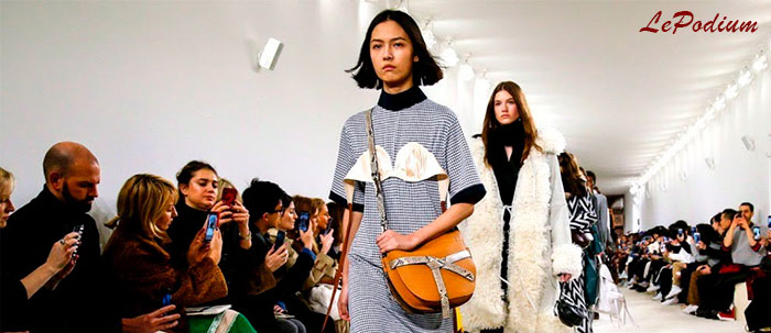 Модный показ бренда Loewe